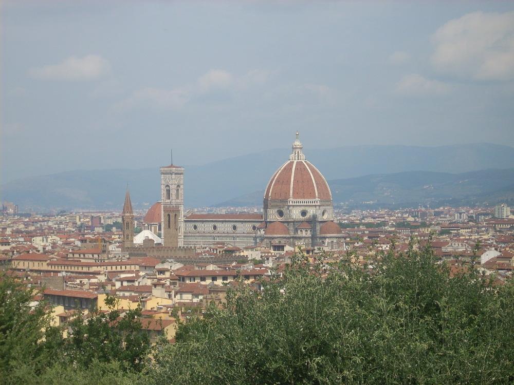 Widok na Florencję z parkingu przy placu Michała Anioła