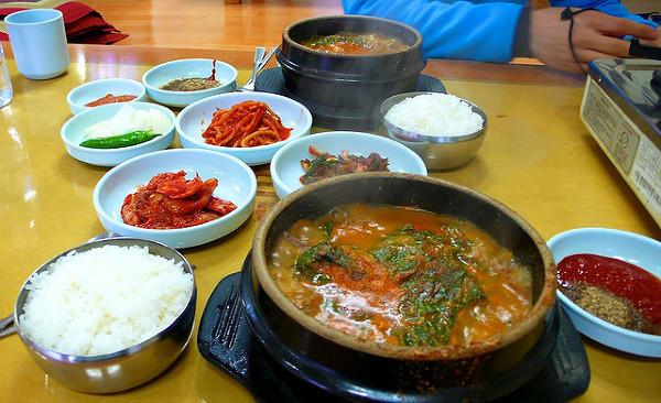 Przy koreańskim stole