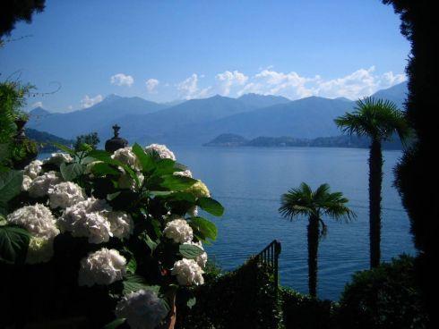 Góry otaczające jezioro Como