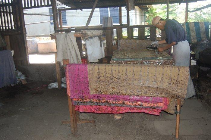 Tradycyjna technika wytwarzania batiku
