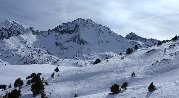 Zimowy krajobraz w Andorze.