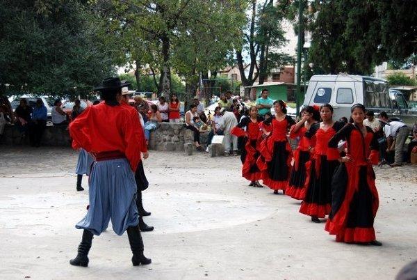 Show miejskiego kółka tanecznego