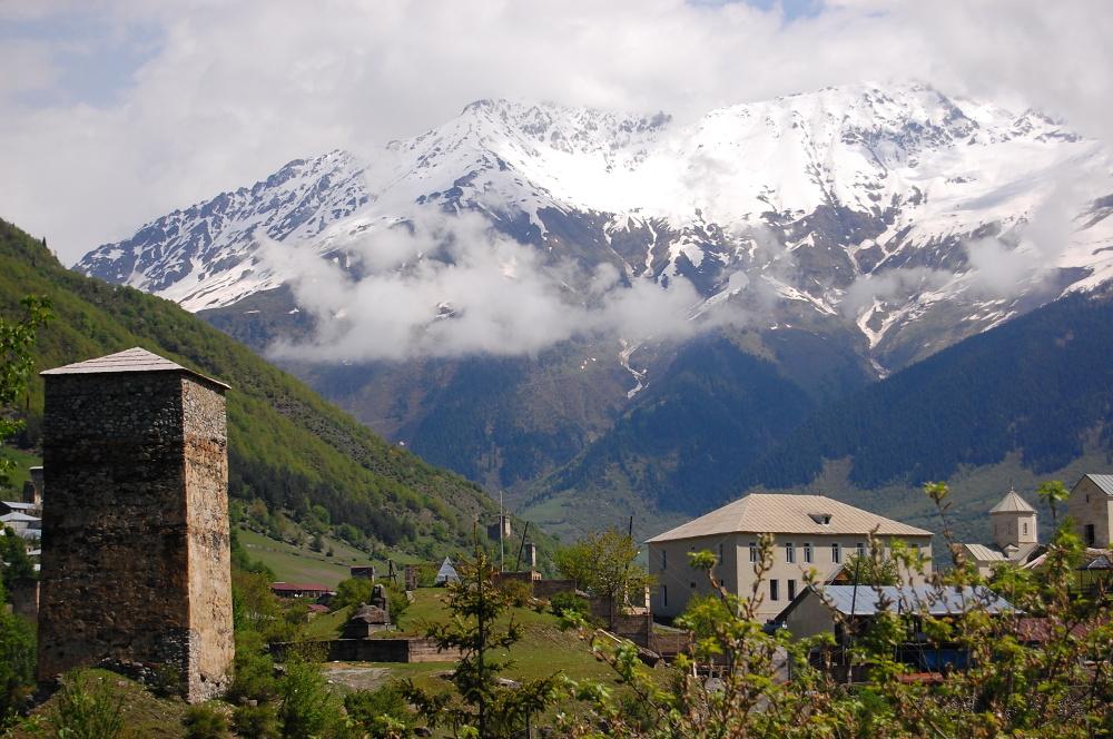 Kaukaskie szczyty dookoła Mestii