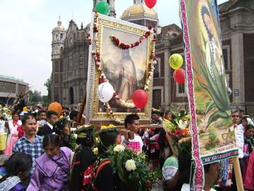 Meksyk. Religijna procesja uliczna