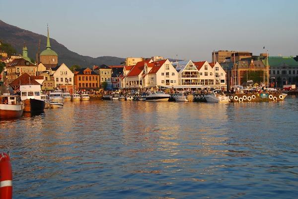 Wpływamy do portu w Bergen