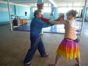 Wizyta u przyjaciół w Batumi zakończyła się małym sparingiem z tamtejszym trenerem bokserskim.