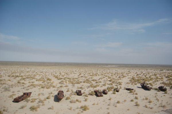 Wraki statków na wyschniętym Morzu Aralskiem
