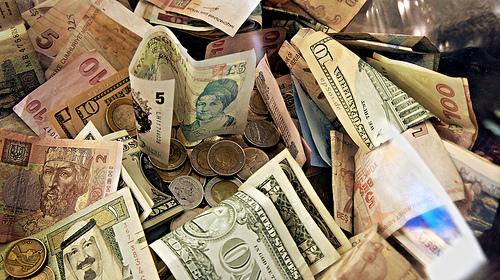 Większość klinik akceptuje zapłaty kartą kredytową, ale przy zapłacie gotówką mogą by oferowane zniżki.