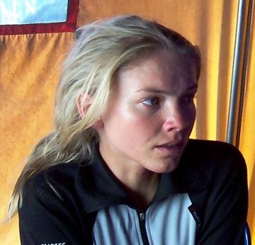 Kinga Baranowska w bazie pod Broad Peak po zdobyciu szczytu w lipcu 2006