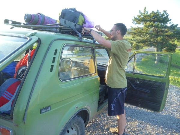 Gruzińscy kierowcy mają dość liberalne zasady podróżowania.