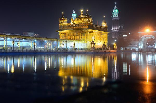 Amritsar, Złota Świątynia w nocy