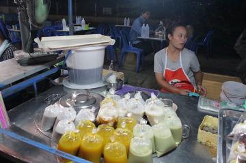 Jedzenie w torebkach - bez tego Tajlandia nie miałaby sensu...