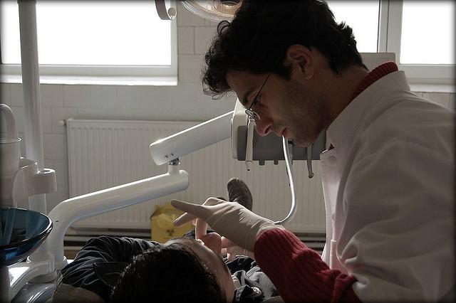 Denturystyka: wakacje z dentystą