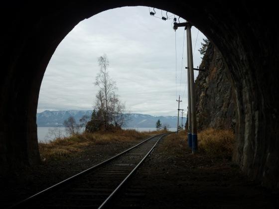 z wiaduktu do tunelu, z tunelu na wiadukt