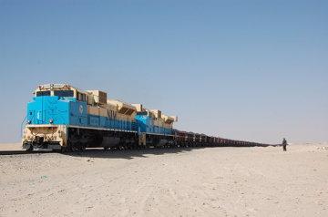 Najdłuższy pociąg na świecie kursujący między Nouadhibbou a Zouvirat, Mauretania