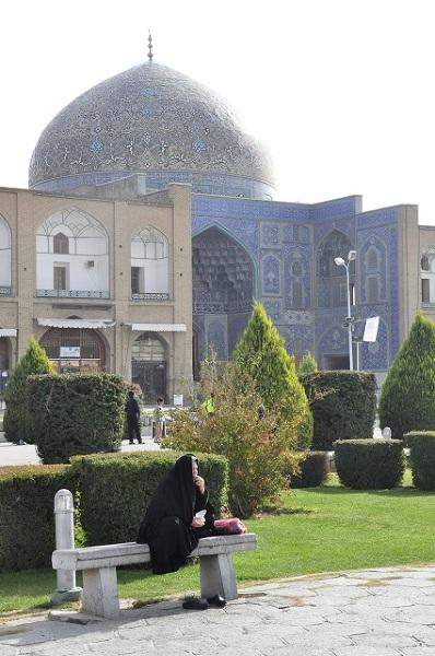 Meczet Lutfallah imponuje zarówno od zewnątrz jak i wewnątrz