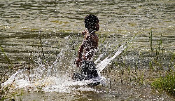 Laos - życie nad rzeką
