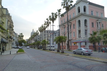 Batumi przywita nas palmami.