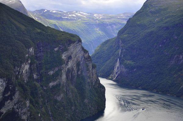 Droga Trolli, słynna norweska trasa z 11 serpentynami i malowniczymi widokami