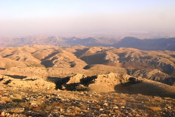 Księżycowy krajobraz otaczający Nemrut