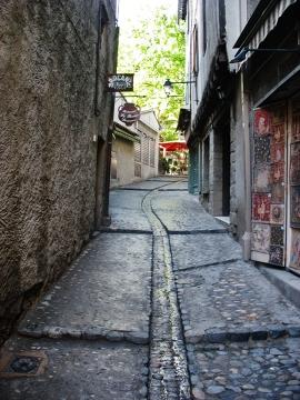 Jedna w ulic Carcassonne, którą przechadzałem się pewnego lipcowego poranka.