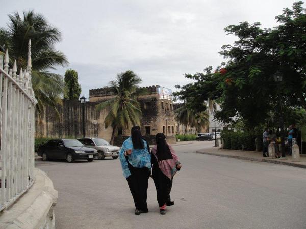 Zanzibar to nie tylko nazwa wyspy, ale też jej stolicy, której główną atrakcją jest dzielnica Stone Town, wpisana na Listę Światowego Dziedzictwa UNESCO.
