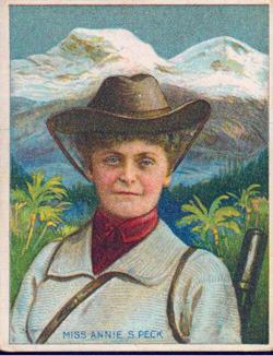 Annie Smith Peck, pierwsza osoba, która zdobyła szczyt Huascarán w Peru, wiidoczny w tle na obrazie