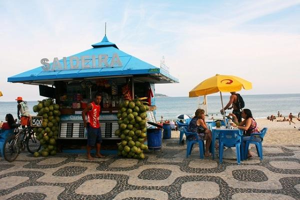 Świeże kokosy najlepszym orzeźwienie w upalne dni