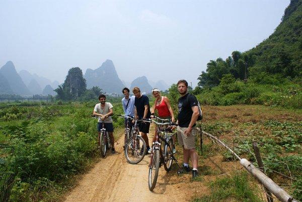 Ekipa wyprawy w trakcie wcześniejszego wyjazdu do Azji