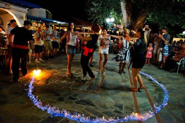 Grecki Wieczór obfituje w atrakcje