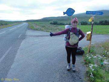 Czasem trzeba zdobyć się na odrobinę kreatywności.Opuszczając Dalvik po festiwalu rybnym na północy Islandii.
