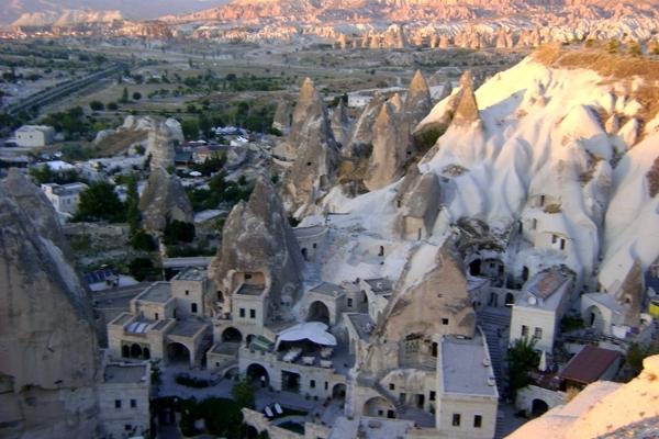 Kapadocja, bajeczna architektura miasteczka Göreme