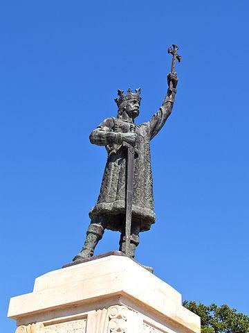 2. Pomnik hospodara Stefana II Wielkiego w Kiszyniowie.