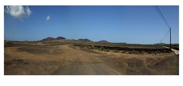 Wulkaniczny krajobraz między Corralejo, a Lajares, Fuerteventura