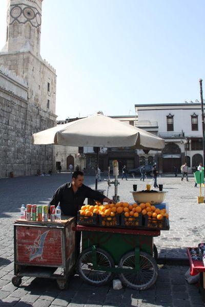 Świeżo wyciskane pomarańcze to częsty widok na ulicach Damaszku