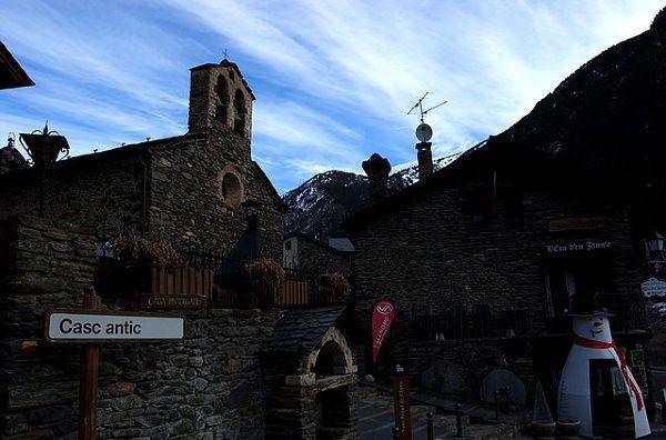Kościół Sant Serni de Llorts.