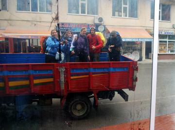 Bywają i takie dni - autostop w deszczowym Samsun.