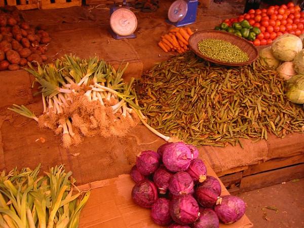 Słynne przyprawy i warzywa Zanzibaru. Zdjęcie zostało zrobione 28 Maja, 2005.