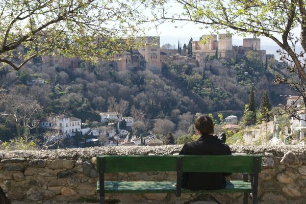 Grenada – chwila zadumy nad pięknem Alhambry