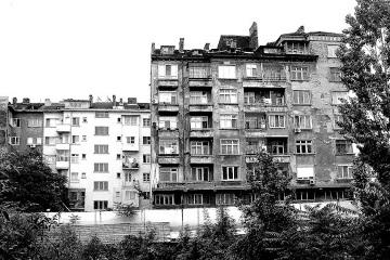 Sofia - Pamiątką niezbyt urodziwą po latach komunizmu, który zakończył się w 1989r. są szare blokowiska.