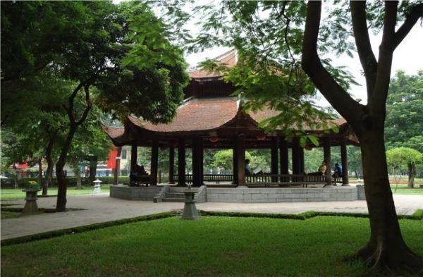 Zjawiskowy ogród przy Świątyni Literatury
