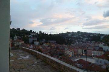 Miasteczka wybrzeża Istrii i Dalmacji są zdumiewająco podobne. Piran.