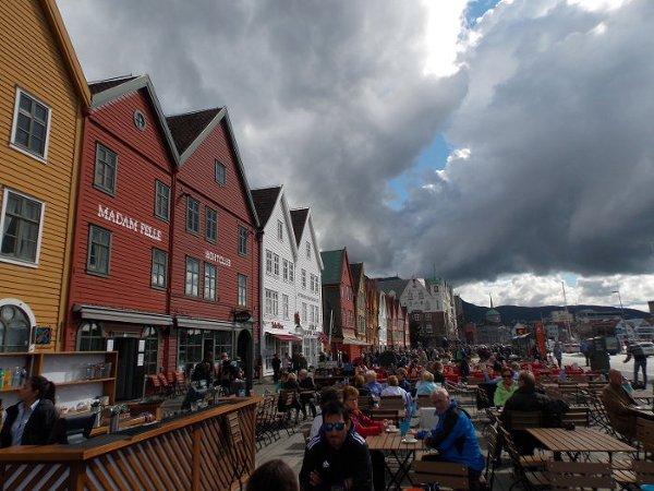 Ciemne nieboskłony nad Bergen