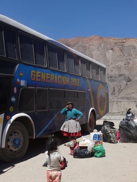 Pakujemy PKSa i w drogę przez góry i pustynie.