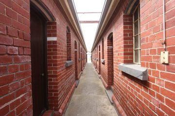 Budynki stacji kwarantanny wywoływały we mnie skojarzenia z obozem koncentracyjnym