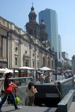 Santiago de Chile – nowoczesność przeplatająca się w zamierzchłymi czasami
