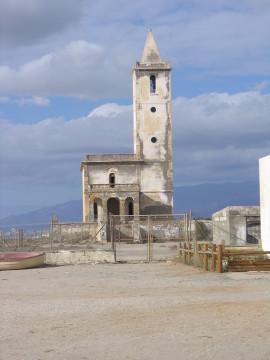 Jedno z miejsc gdzie bez samochodu nie sposób dotrzeć... Stary kościół w Cabo de Gata