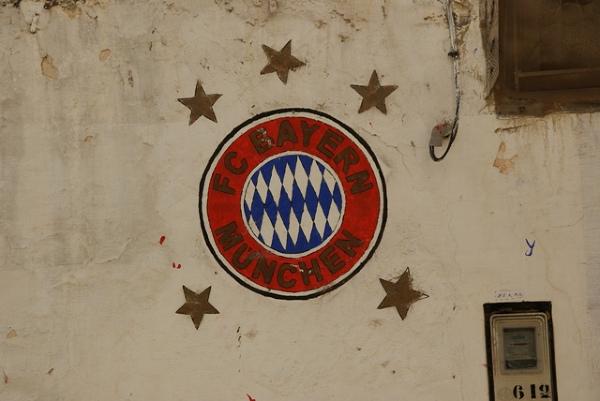 czy naprawdę tak lubią europejską piłkę nożną