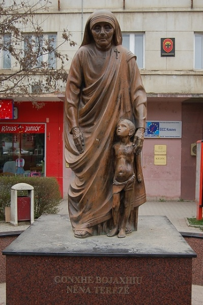 Prisztina - Matka Teresa