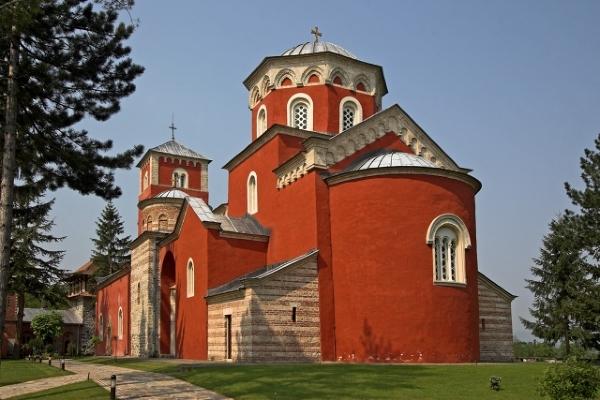 charakterystyczny czerwony klasztor Žiča